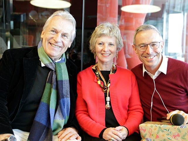 Pepe Lienhard (links) und Esther Gemsch bei Dani Fohrler.