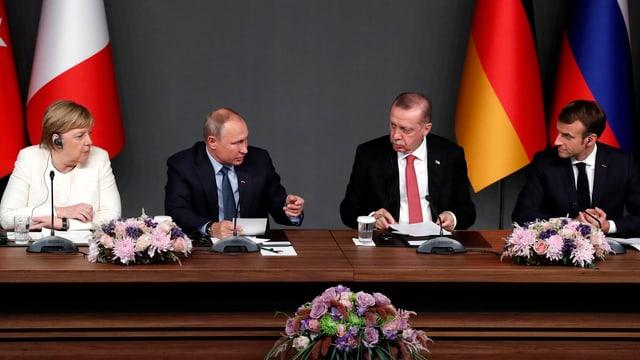 Die Staatschefs bei Syrien-Gipfel in Istanbul