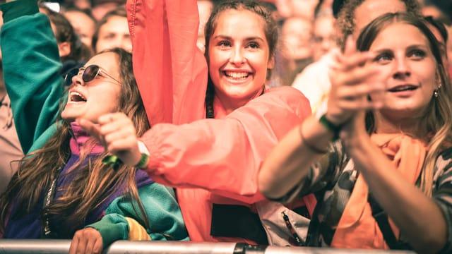 fans durant i concert da Hecht