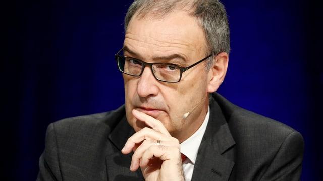 Verteidigungsminister Parmelin bei einer Medienkoferenz