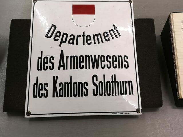 """Blechschild """"Departement des Armenwesens Kt. Solothurn"""""""
