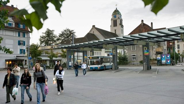 Der Busbahnhof am Bahnhof Dietikon