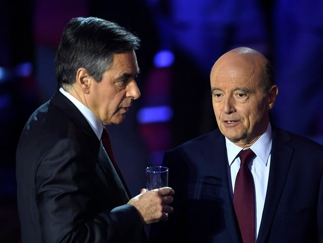 François Fillon und sein parteiinterner Konkurrent Alain Juppé (r.).