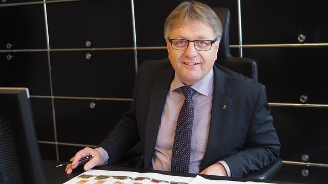 Porträt des Nidwaldner Regierungsrats Josef Niederberger.
