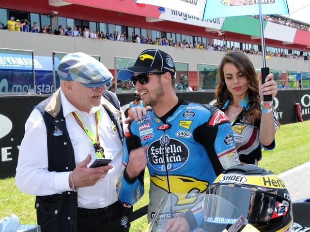 Teamchef Van der Straten und Fahrer Tom Lüthi.