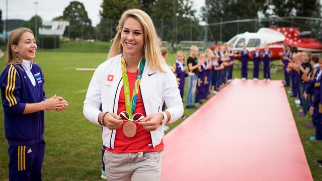 Giulia Steingruber hat das Training wieder aufgenommen.