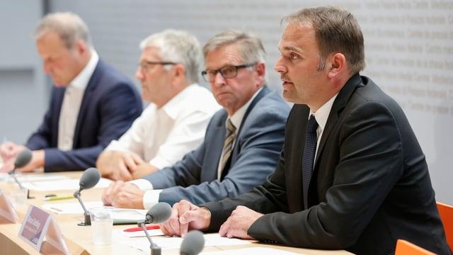 Das Bauernkomitee befürchtet mehr Vorschriften wegen der Initiativen.