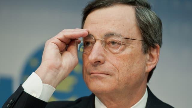 Porträt von Draghi.