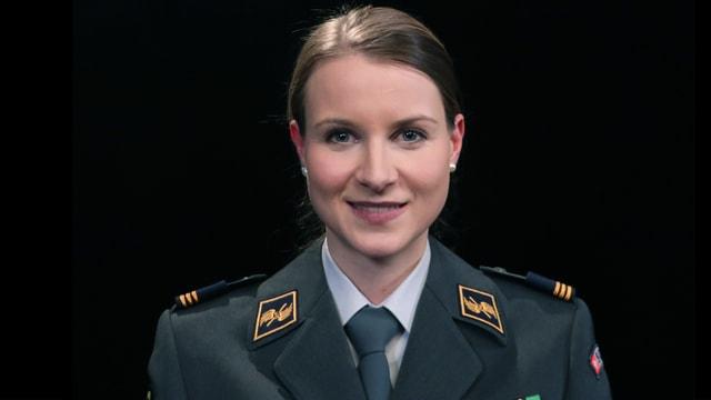 Video «Darum geht man als Frau ins Militär» abspielen