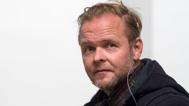 Christian Kracht che ha survegnì il premi per ses cudesch «Die Toten».