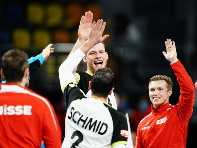 Die Schweizer Handballer reisen mit einem weiteren Sieg im Gepäck nach Hause.