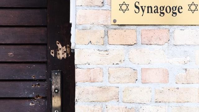Synagoge mit Schusslöchern.