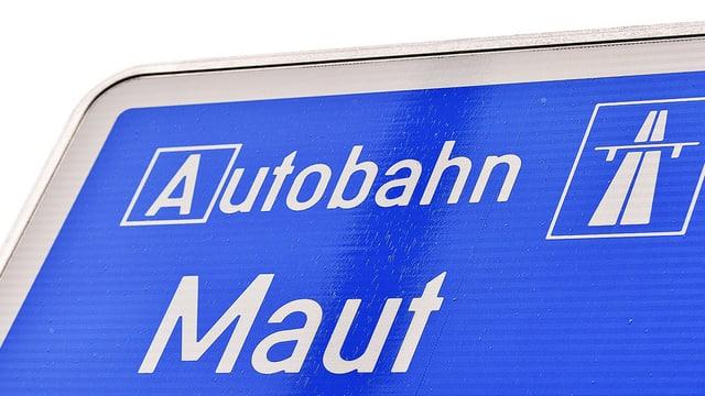 Eine blaue Tafel, die auf eine gebührenpflichtige Autobahn verweist.