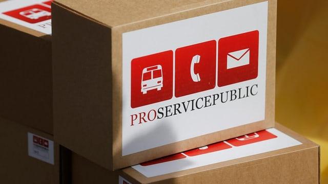 Chistas cun suttascripziuns per l'iniziativa «Pro Service Public».