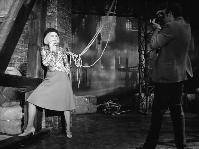 Brigitte Bardot posiert für einen Fotografen