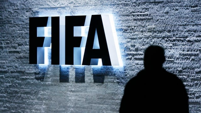 Logo FIFA, umbriva d'in um