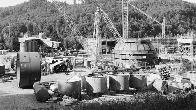 Die Baustelle des Atomkraftwerks Mühleberg im Kanton Bern 1968.