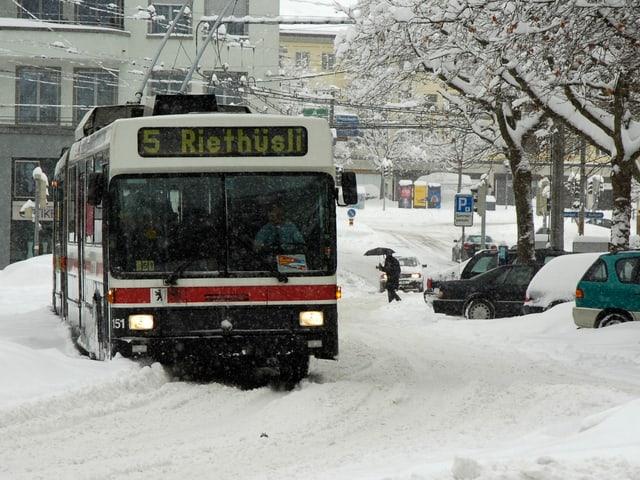 Am 4. März 2006 fiel in St. Gallen innerhalb von 24 Stunden 60 Zentimeter Neuschnee.