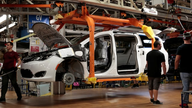 Auto des US-Herstellers Chrysler in Produktionsstätte