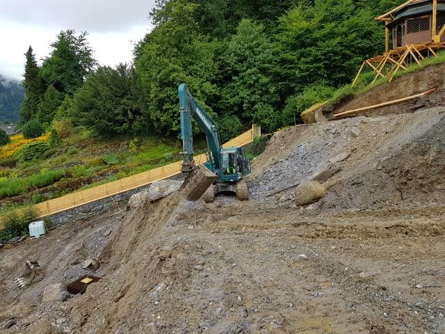 In excavatur verd chava il fundament.
