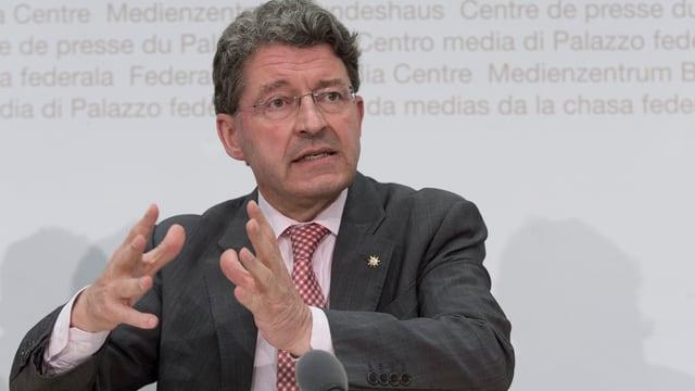 Heinz Brand im Pressezentrum des Bundeshauses