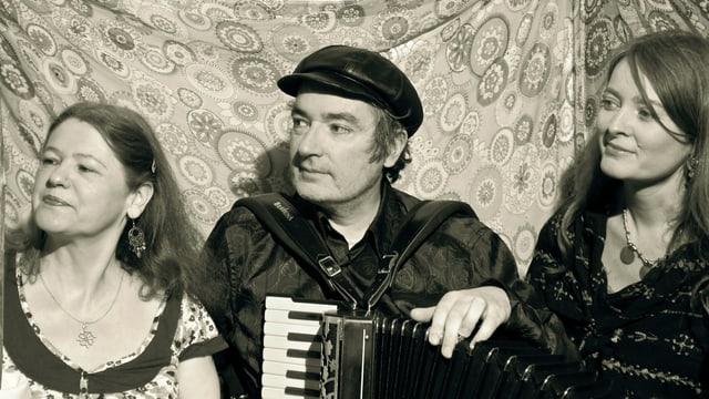 Line Loddo, Marc Hänsenberger und Juliette du Pasquier