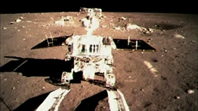 Der chinesische Rover auf der Mondoberfläche