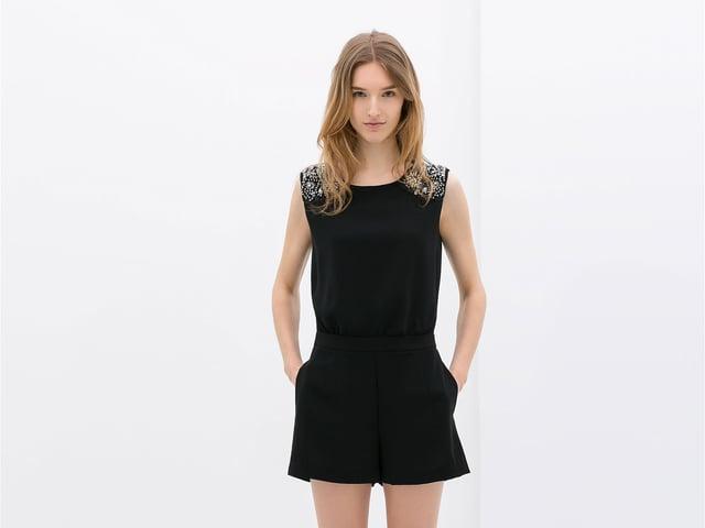 Manuela Frey in einem schwarzen Kleid