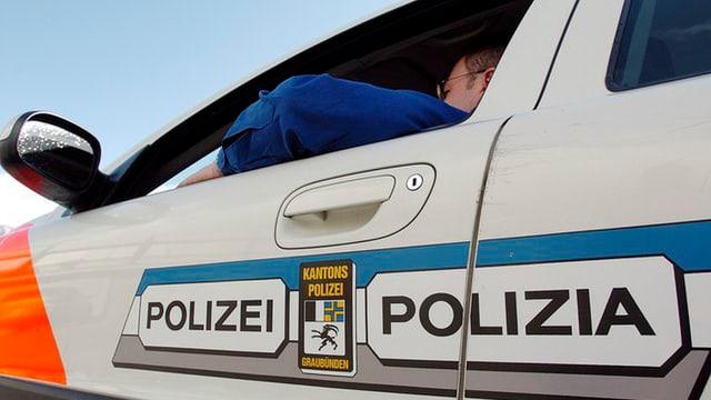 La polizia chantunala grischuna dumbra actualmain bun 400 policists.