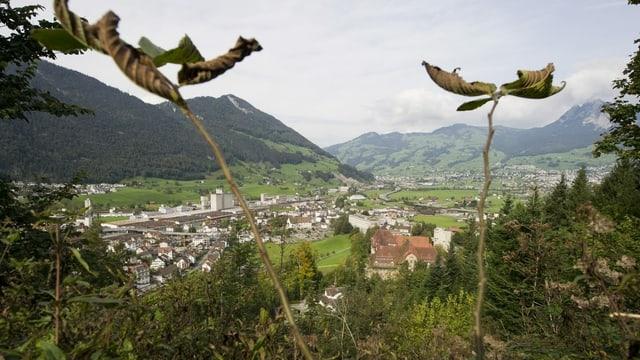 Sicht von oben auf Kloster Ingenbohl