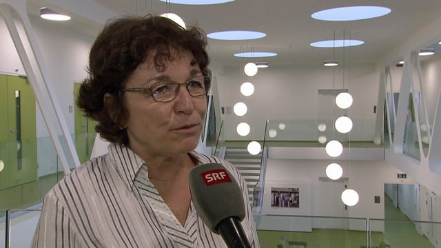 Eva Reinhard in den neuen Gebäuden von Agroscope in Changins.