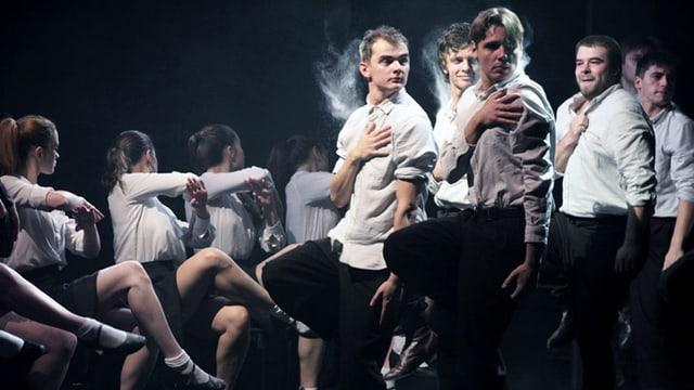 «Junge Garde» vom Masterskaya Theater St. Petersburg.