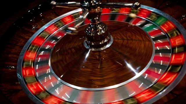Drehendes Roulette-Rad.