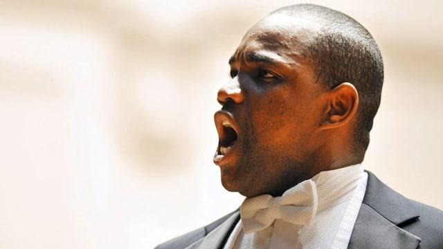 Laurence Brownlee singt lautstark.