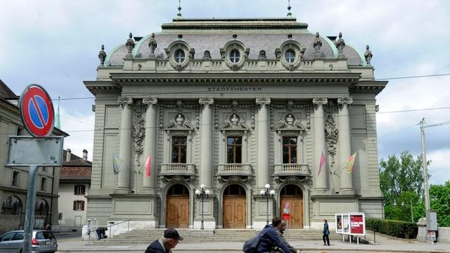 Totale auf das Stadttheater in Bern.