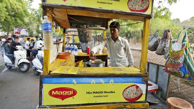 Ein Maggi-Nudel-Stand im indischen Ahmedabad. (reuters)