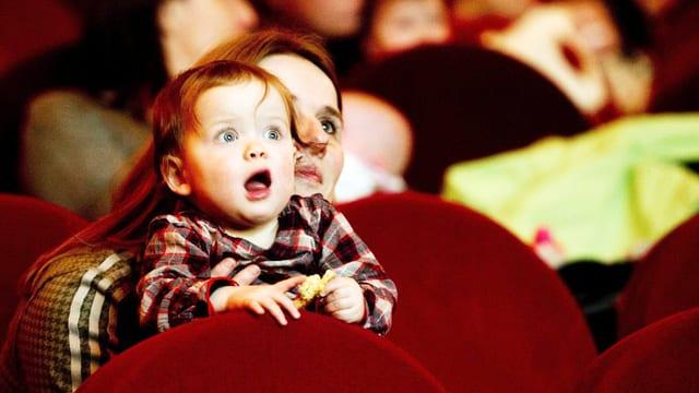 Baby im Kino