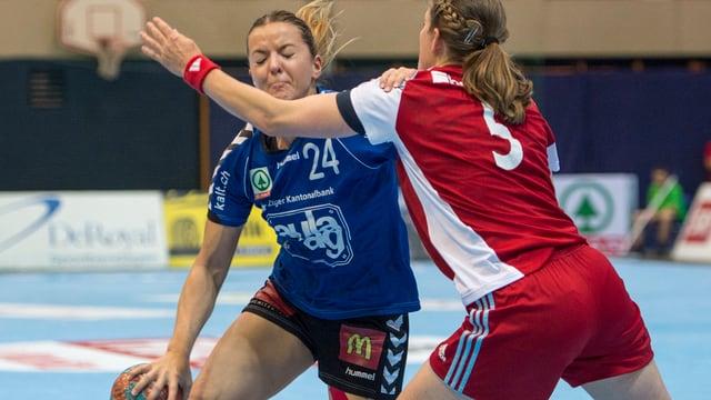 Zweikampf im Handball-Cupfinal