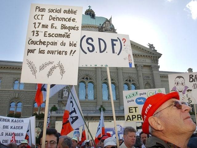 Protest-Demo am 26. Oktober 2002 auf dem Bundespltz von SDF-Belegschaften und Bauern