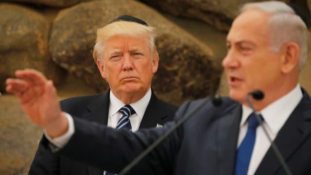 Donald Trump steht hinter Benjamin Netanyahu