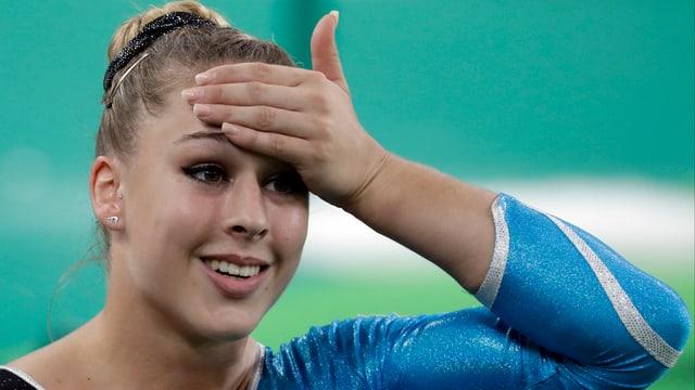 Giulia Steingruber nach dem Gewinn der Bronzemedaille.