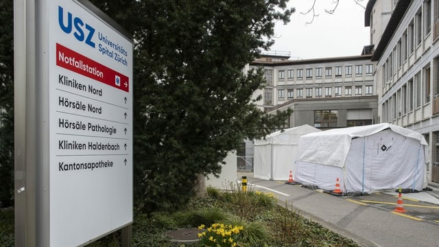 Der Eingang des Universitätsspitals Zürich.