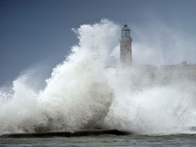 Hurrikan «Irma» brachte Spitzenwindgeschwindigkeiten und meterhohe Wellen nach Havanna.