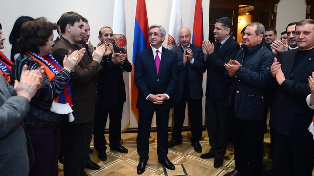 Sersch Sargsjan bei Feiern zu seinem Wahlsieg 2013.
