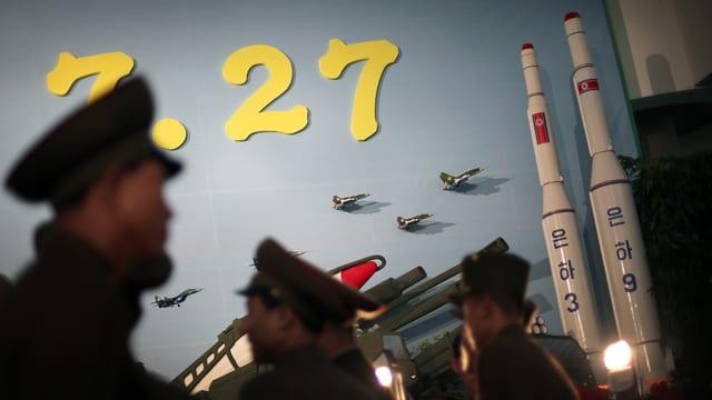 Schuldada patrugliescha davant rachetas en il Corea dal Nord.