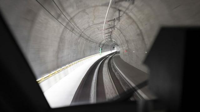 Purtret dal tunnel da basa dal Ceneri.