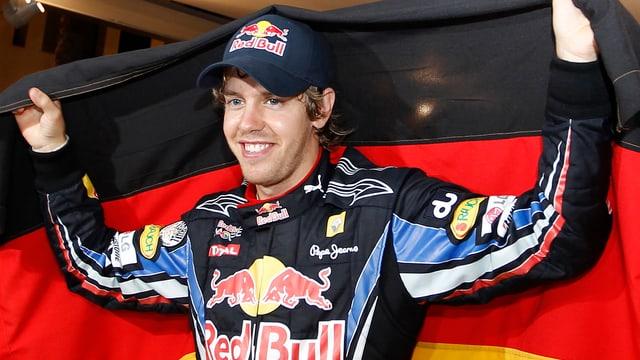 Sebastian Vettel mit Deutschland-Flagge