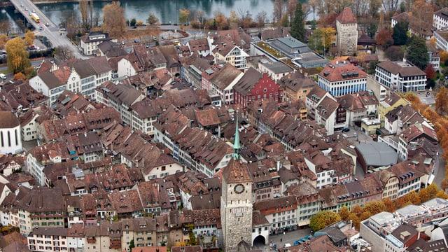 Stadt Aarau aus der Vogelperspektive.