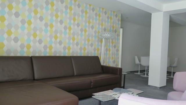 Zimmer mit Sofa