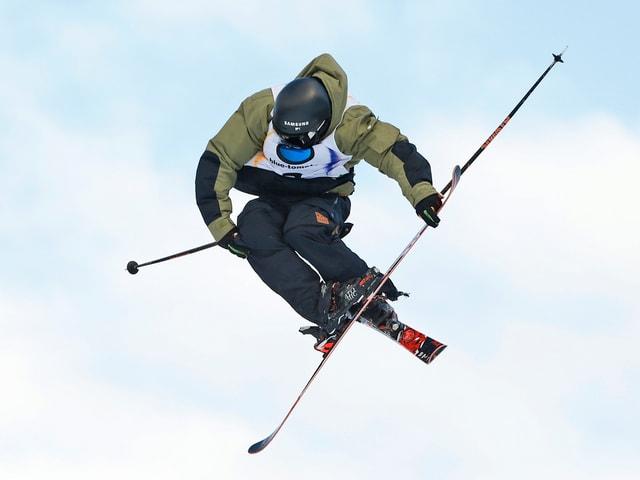 Fabian Bösch fliegt durch die Luft